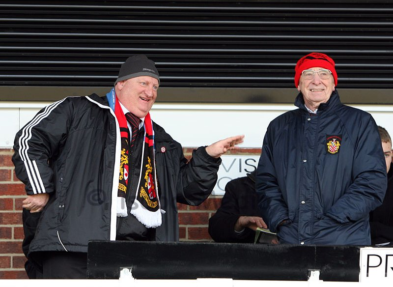 Sir Gary Hall & Club President Del Edkins