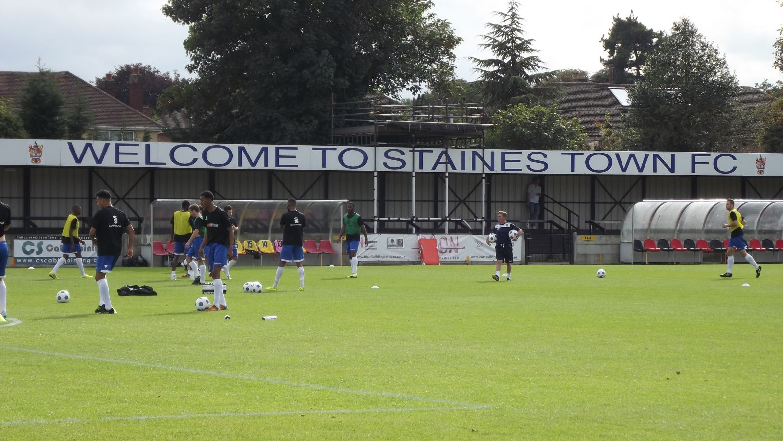 Staines Town v Leverstock Green